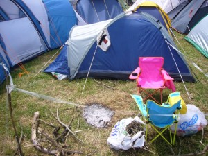 グラストンベリーのテントの周りに作る庭のお手本(クリックすると拡大表示されます)