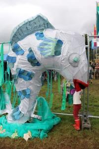 Green Man Festival 2015 - キッズエリア入り口の魚に食われるRay