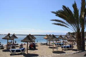 やっぱりビーチはいいですな。さすが、スペイン、トップレス率高し。そして、スタイルもいい(イギリスからの観光客除く)。